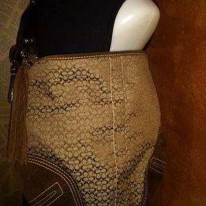 D052-2158 Coach purse